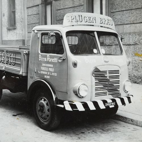 furgone birra poretti decorato a mano